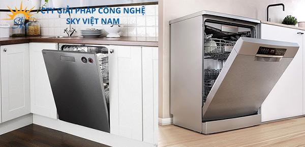 So sánh máy rửa bát âm tủ và độc lập
